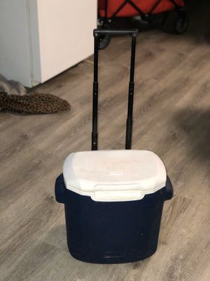 Small cooler for Sale in Honolulu, HI
