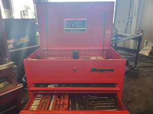 Snap on tool box w/ tools for Sale in Stockton, CA