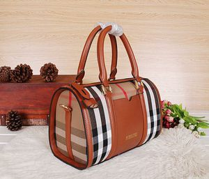 Burberry leather doctors bag for Sale in Griffith, IN