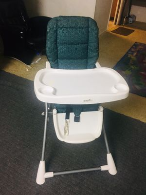 Evenflo high chair for kids ( 1to 3 years) for Sale in Atlanta, GA