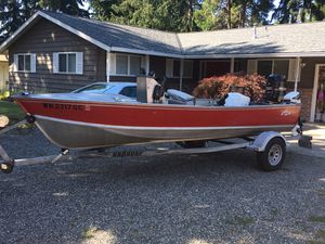 18' Lund center console for Sale in Bonney Lake, WA