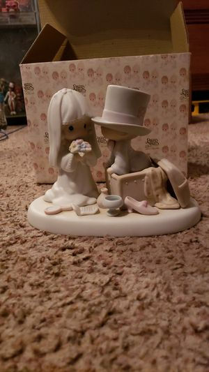 Precious Moments Rare Bride and Groom Collectible for Sale in Newberg, OR