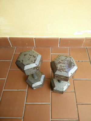 Two 25 pounds dumbbells..excellent condition for Sale in Miami, FL