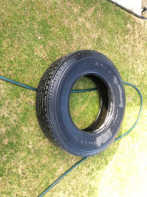 Free free free semi tire for Sale in Bakersfield, CA