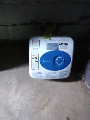 Electric water heater for Sale in Saint Marys, WV