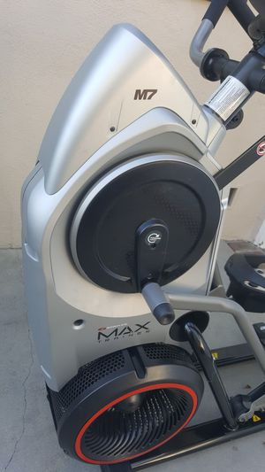 Bowflex Max Trainer M7 (can deliver) for Sale in Long Beach, CA