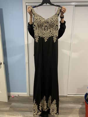 Black and gold dress for Sale in Riverside, CA