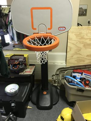 Basketball hoop - like new - raises up - $40 for Sale in Raleigh, NC