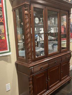 China Cabinet ( Chinero ) for Sale in San Fernando,  CA