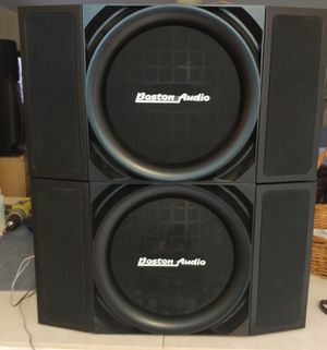 **(BOSTON AUDIO) speakers 650 watts for Sale in Lantana, FL