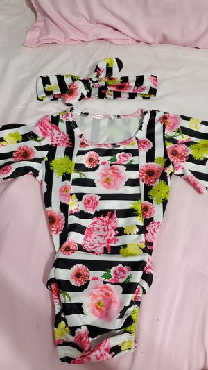 Toddler outfit with headband size 2T for Sale in Mesquite, TX