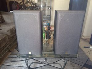 Very well-made JBL bookshelf speakers 100 Watts a piece for Sale in St. Louis, MO