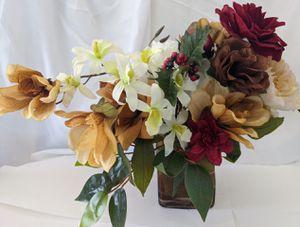 New silk flower arrangement for Sale in Phoenix, AZ