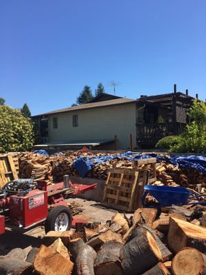 Firewood oak and eucalyptus for Sale in Castro Valley, CA