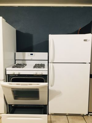 Refrigerator stove for Sale in Downey, CA