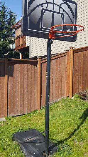 Basketball Ball Hoop for Sale in Lake Stevens, WA