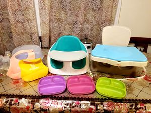 Bumbo seat, silicone bibs, bottle sanitizer,booster sear, plates for Sale in Queens, NY