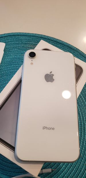 Iphone xr for Sale in Miami, FL