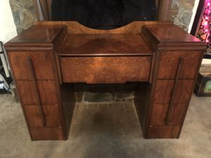 wooden desk / tv stand for Sale in Macon, GA