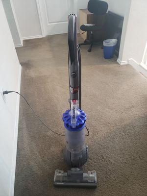 Dyson vacuum cleaner with attachments for Sale in San Antonio, TX