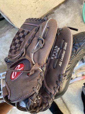 Softball glove size 11.5 for Sale in Walnut, CA