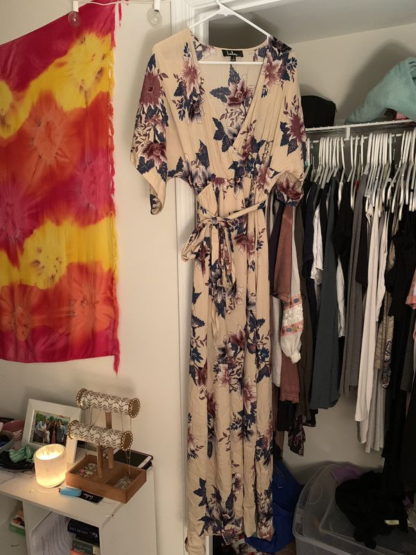 LuLus Berkshire Beige Floral Print Maxi Dress Size Small