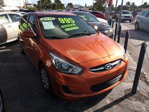 Hyundai accent 2016 for Sale in Miami, FL