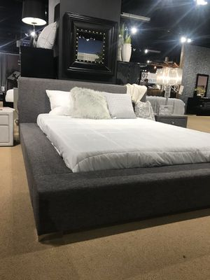 New Modern Style Fabric Bed Frame : Queen / King / California King : Mattress Set Sold Separately - No Box Spring Required for Sale in Concord, CA