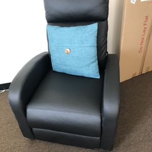 Black Recliner for Sale in Los Angeles, CA