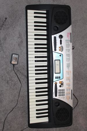 Yamaha keyboard with stand for Sale in Springfield, VA