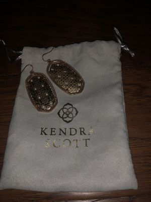 Gold Kendra Scott for Sale in Azle, TX