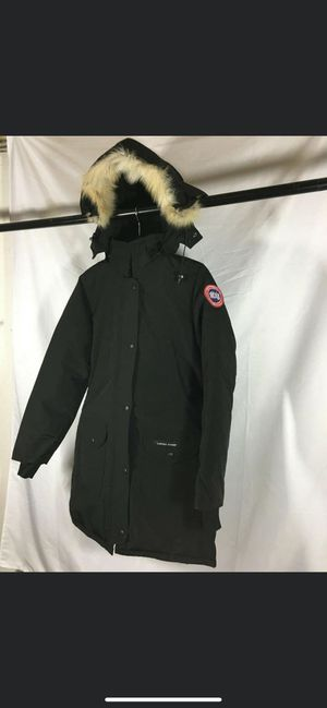 Canada goose medium size for Sale in West Windsor Township, NJ