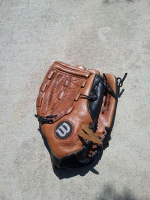 Demarini softball glove for Sale in La Puente, CA