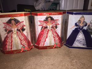 Extras to the holiday barbie special edition pack for Sale in Sebastian, FL