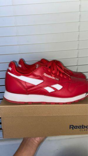 Reebok classic 8.5 US MEN for Sale in Marana, AZ
