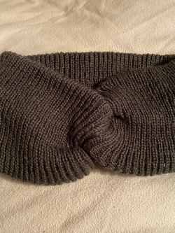 Going To The Snow? Brand New Woman's Knit Headband ( Francesca Brand ) for Sale in Fresno,  CA