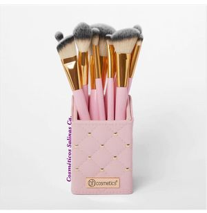 Makeup brushes brochas for Sale in Salinas, CA