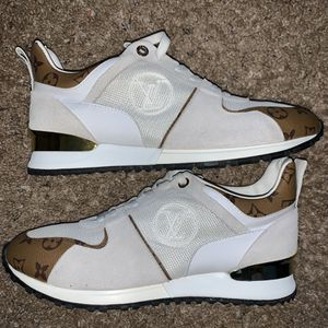 Louis Vuitton Trainer Sneakers for Sale in Oviedo, FL