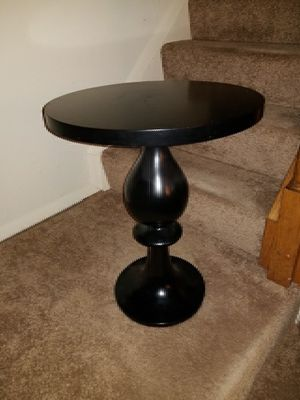 Black round side table for Sale in Millersville, MD