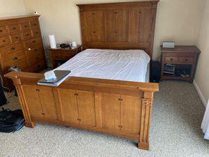 Real wood Queen bedroom set for Sale in Santa Clara, CA