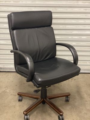 Leather Office Chair GREAT VALUE! for Sale in Glendale, AZ