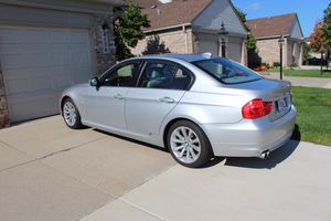 BMW 3 Series 2011 Good condition for Sale in Canton, MI