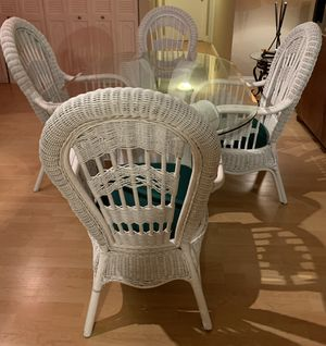 Wicker Table with 4 chairs (more pics on other post) for Sale in Boca Raton, FL