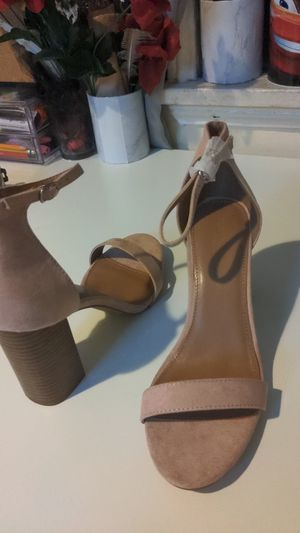 New tan charlotte russe heels size 8 for Sale in Los Angeles, CA