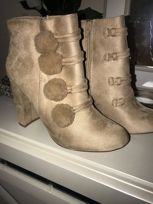 PomPom Boots/ Size 10 for Sale in Peoria, IL