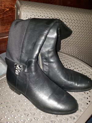Michael kors boots size 7 selling like new for Sale in Los Angeles, CA