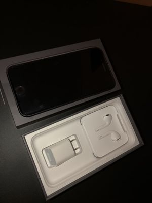 IPhone 8 unlocked for Sale in Federal Way, WA
