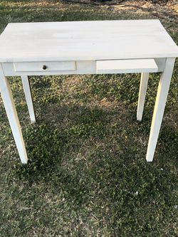 Desk Antique for Sale in Artesia,  CA
