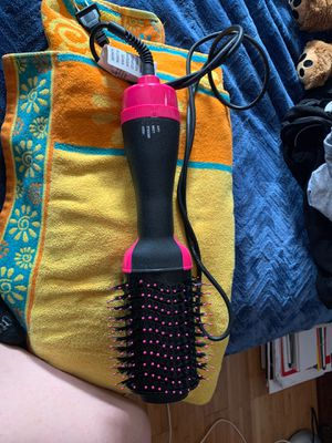 Hairdryer/brush/styler brand new never used. This was never used I just bought the wrong item. for Sale in Revere, MA