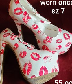 White & Red Lips Heels 👠 for Sale in Springfield,  OR